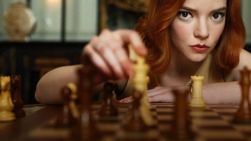 Anya Taylor-Joysom Beth Harmon i Netflix serien Queen's Gambit. Bild: Netflix.