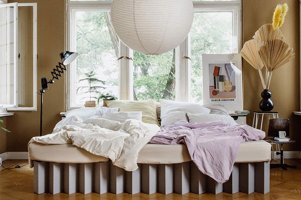 room in a box säng