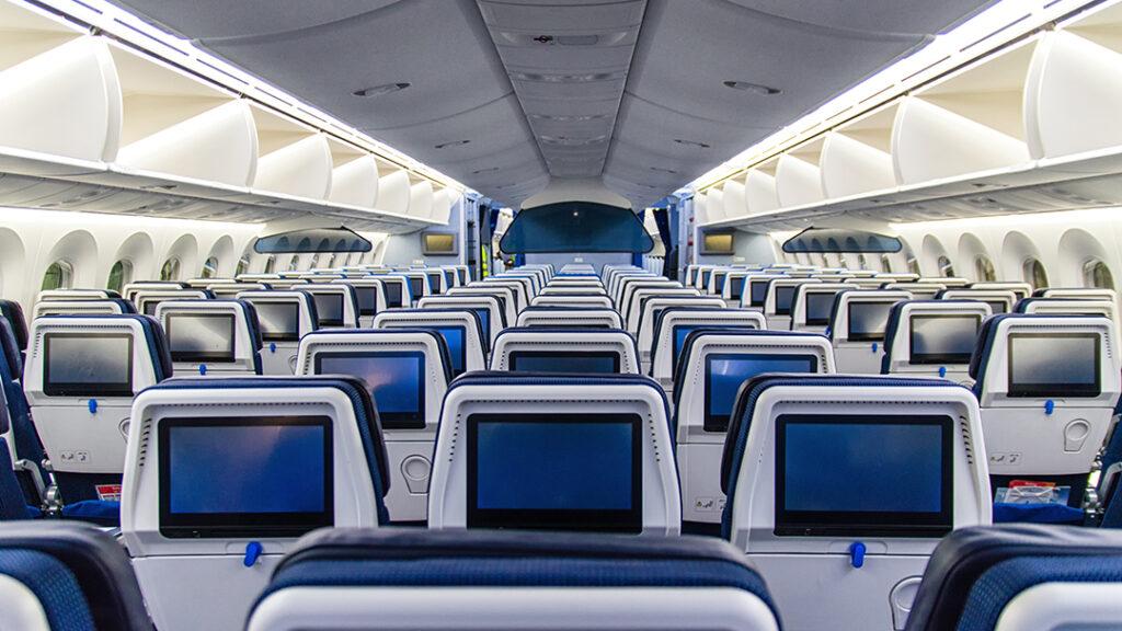 tomt flygplan, många säten