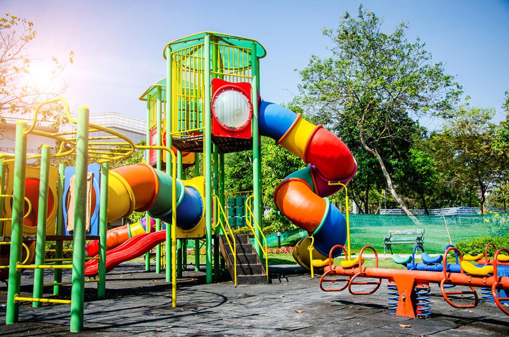 Färgglada lekplats för barn